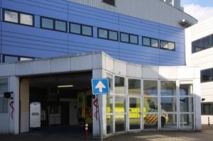De ambulance-ingang van het Wilhelmina Ziekenhuis Assen